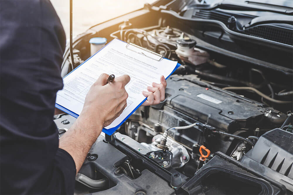 Motoring Minute - Buying a New Vehicle vs. Maintaining Your Vehicle